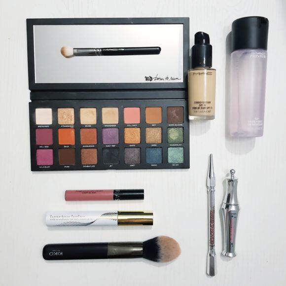 Il makeup ideale per le Feste: a scuola di trucco con Anymakeup